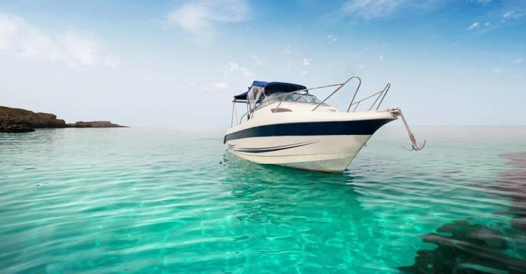 Boot in het water